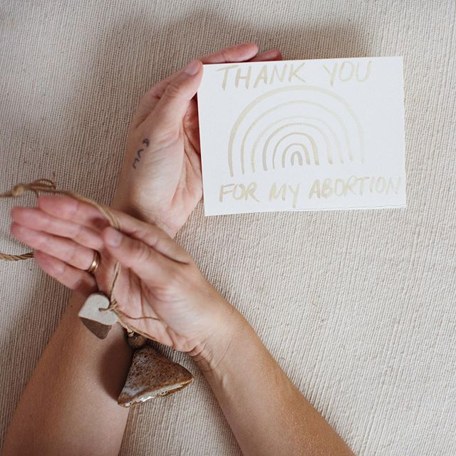 9 days left of the @kickstarter campaign to fund my #thankyouformyabortionproject 💛 By supporting this project, you're helping to send love and gratitude to the brave and compassionate people who show up for reproductive rights on a daily basis. Every dollar counts and every share counts so donate donate donate and share with everyone you know! Thank you to everyone who has shared and supported- it means truly means the world. Let's keep it going 🙌🏽❤️ Link in my profile. 📷 @jamiearrigo