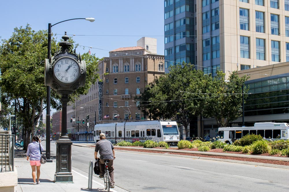 09s A look down the street.jpg