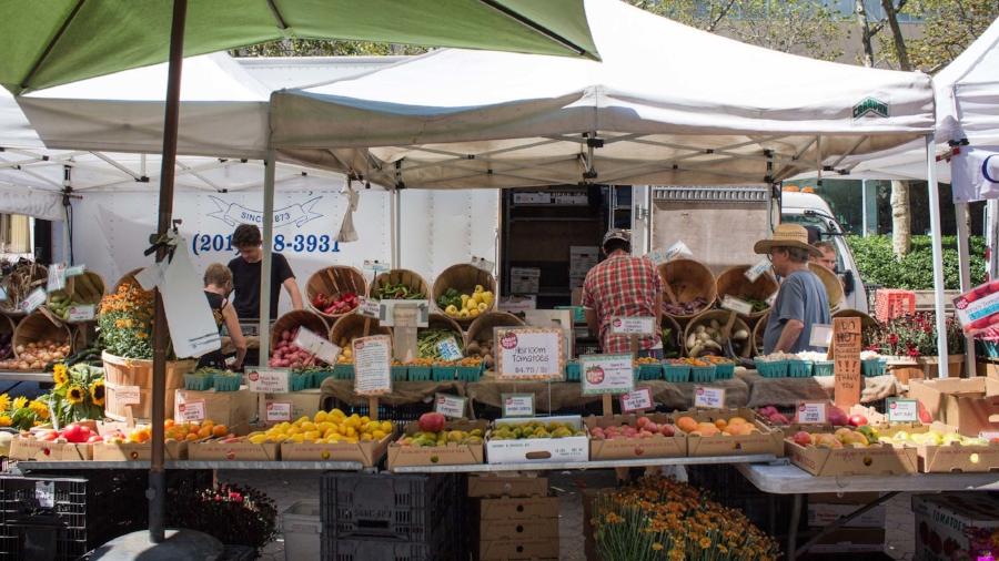 Lincoln Square Farmers Market2.jpg