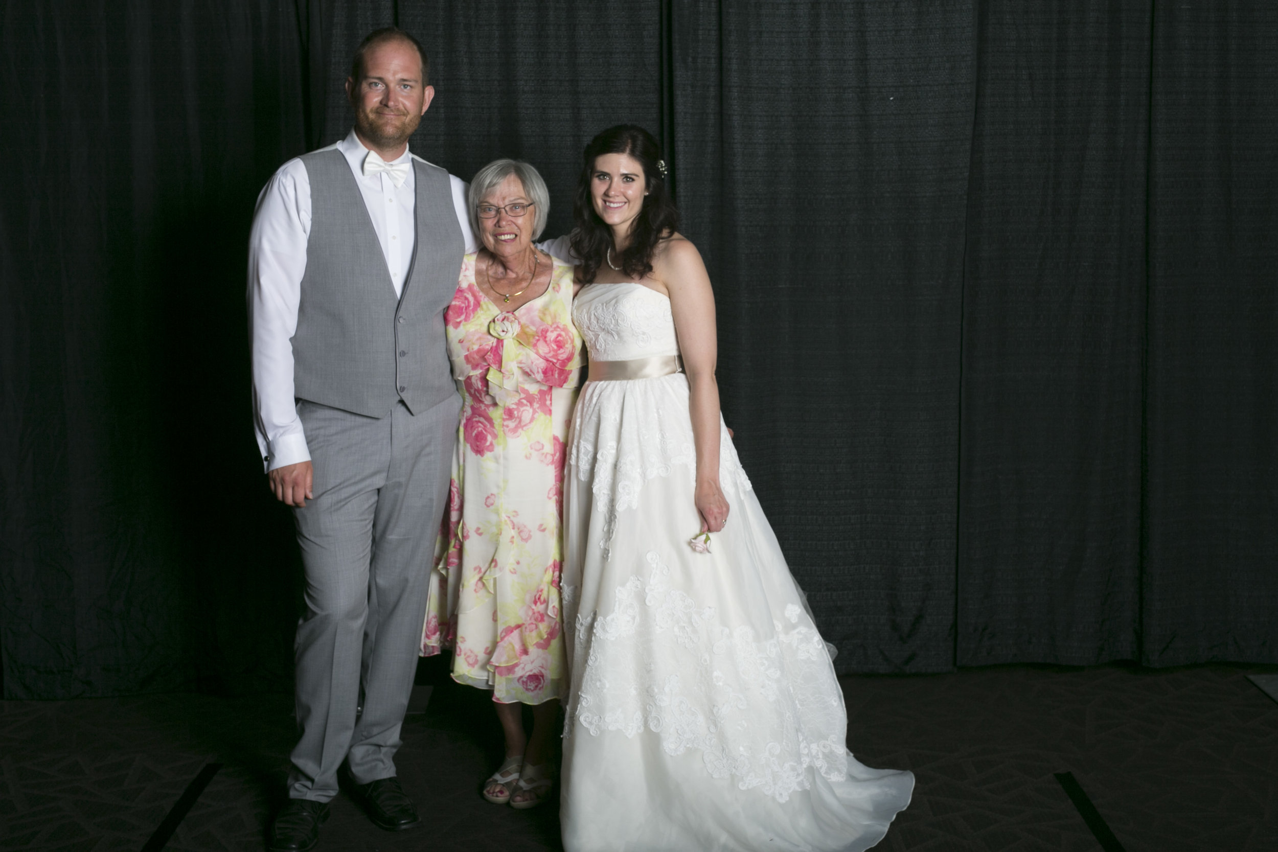 wedding photo booth-103.jpg
