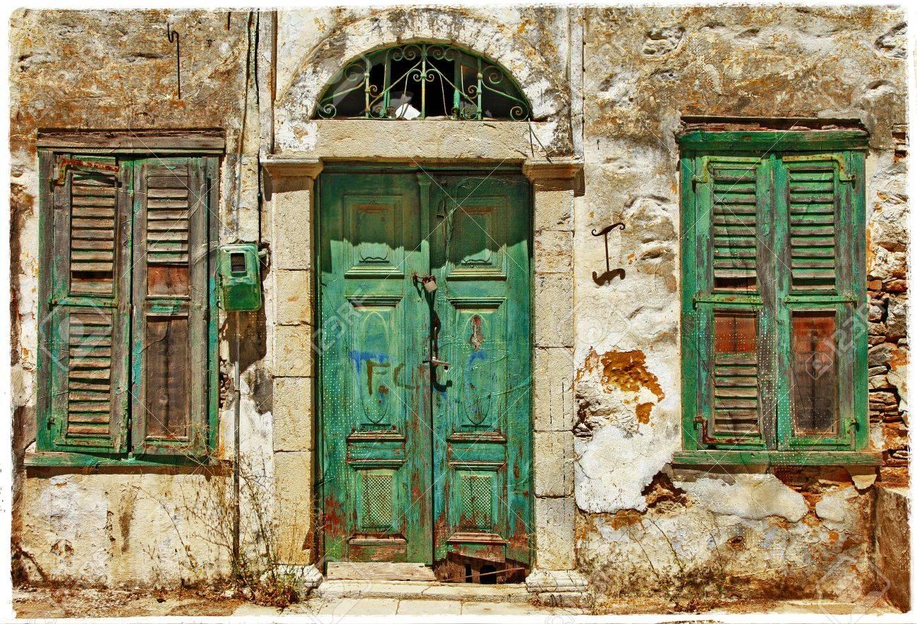 21934026-old-greek-streets.jpg