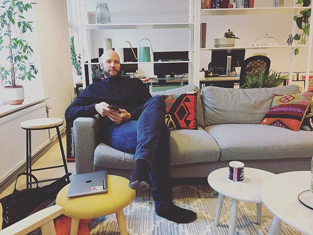 Men hej! Fredrik Wass mellanlandar  efter föreläsning om digitala trender på Studio. 👋👋