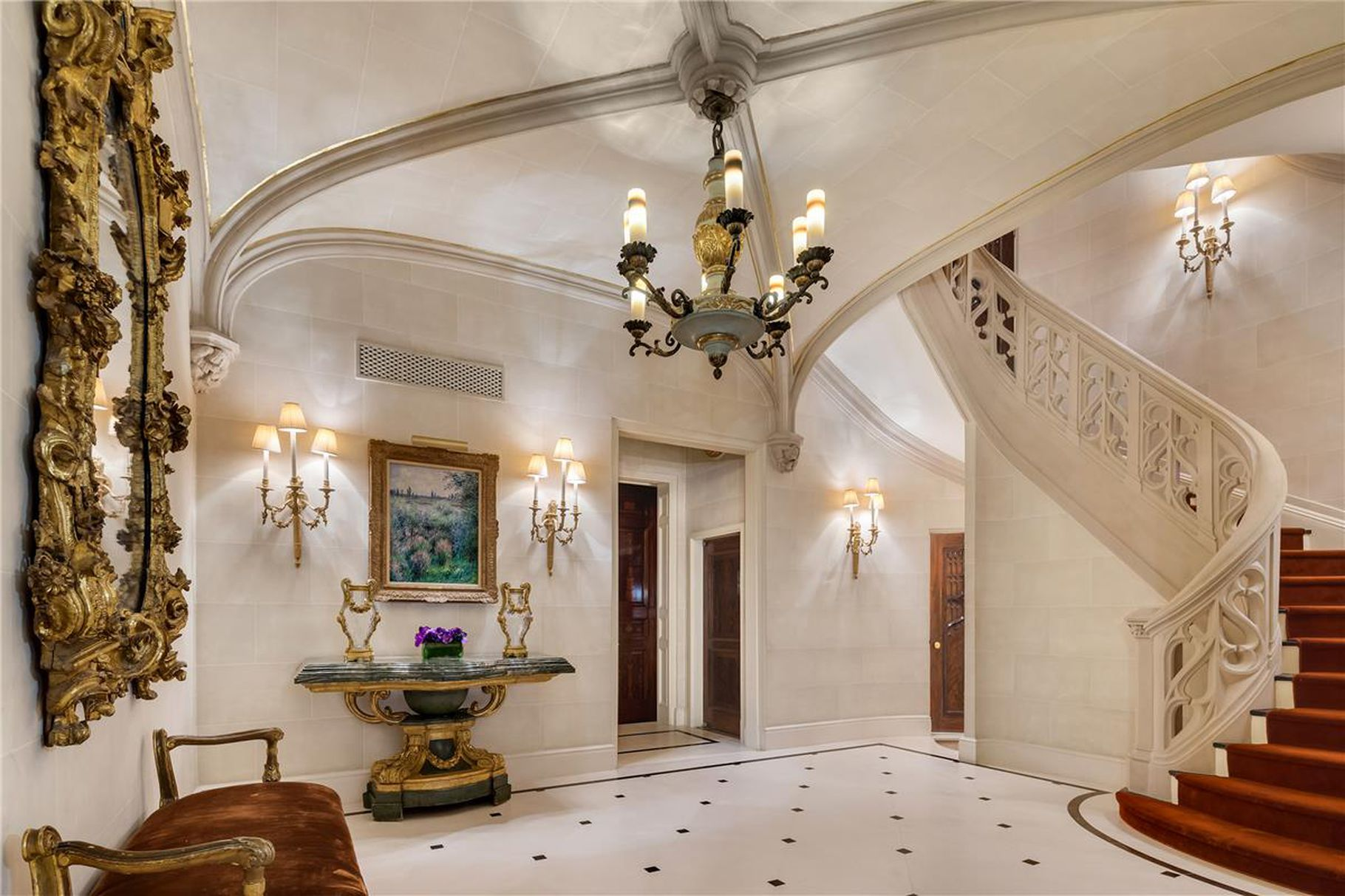 Hedge Fund Billionaire Philip Falcone Lists His Upper East Side Mansion for $39 Million