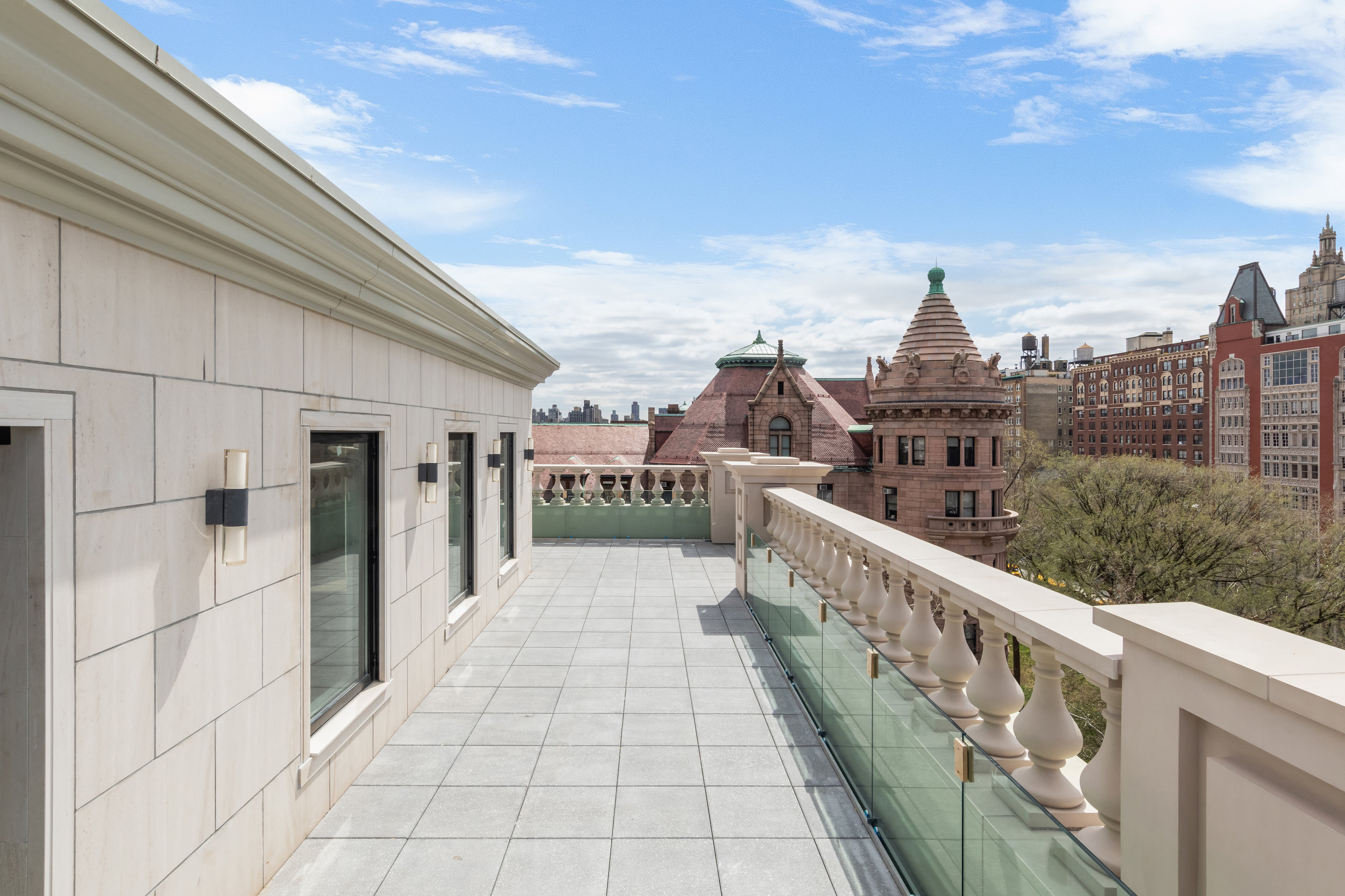 Stephen Sills-Designed Penthouse At 101 West 78th Street Sells For Record $20.15 Million