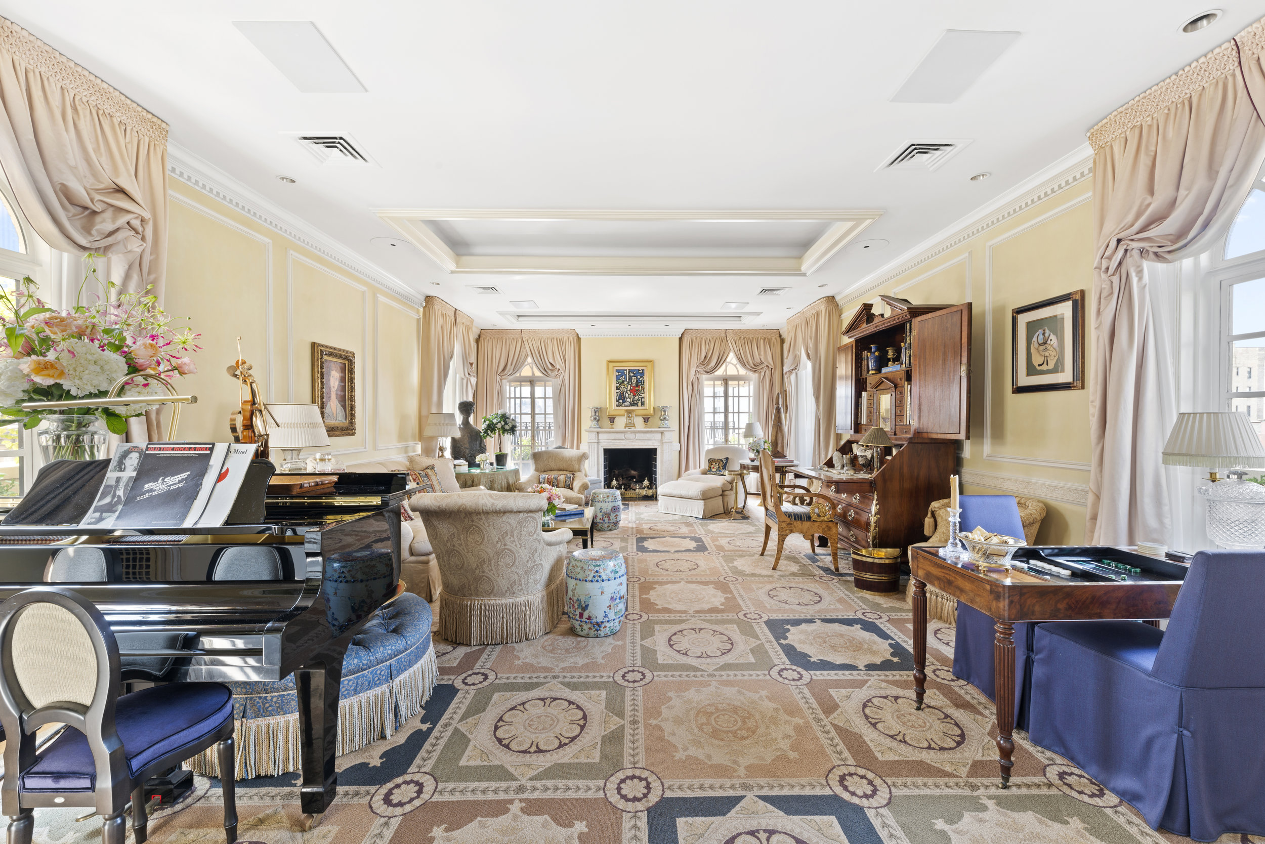 Step Inside A $22 Million Upper East Side Penthouse Originally Owned By New York Post's Former Publisher Dorothy Schiff