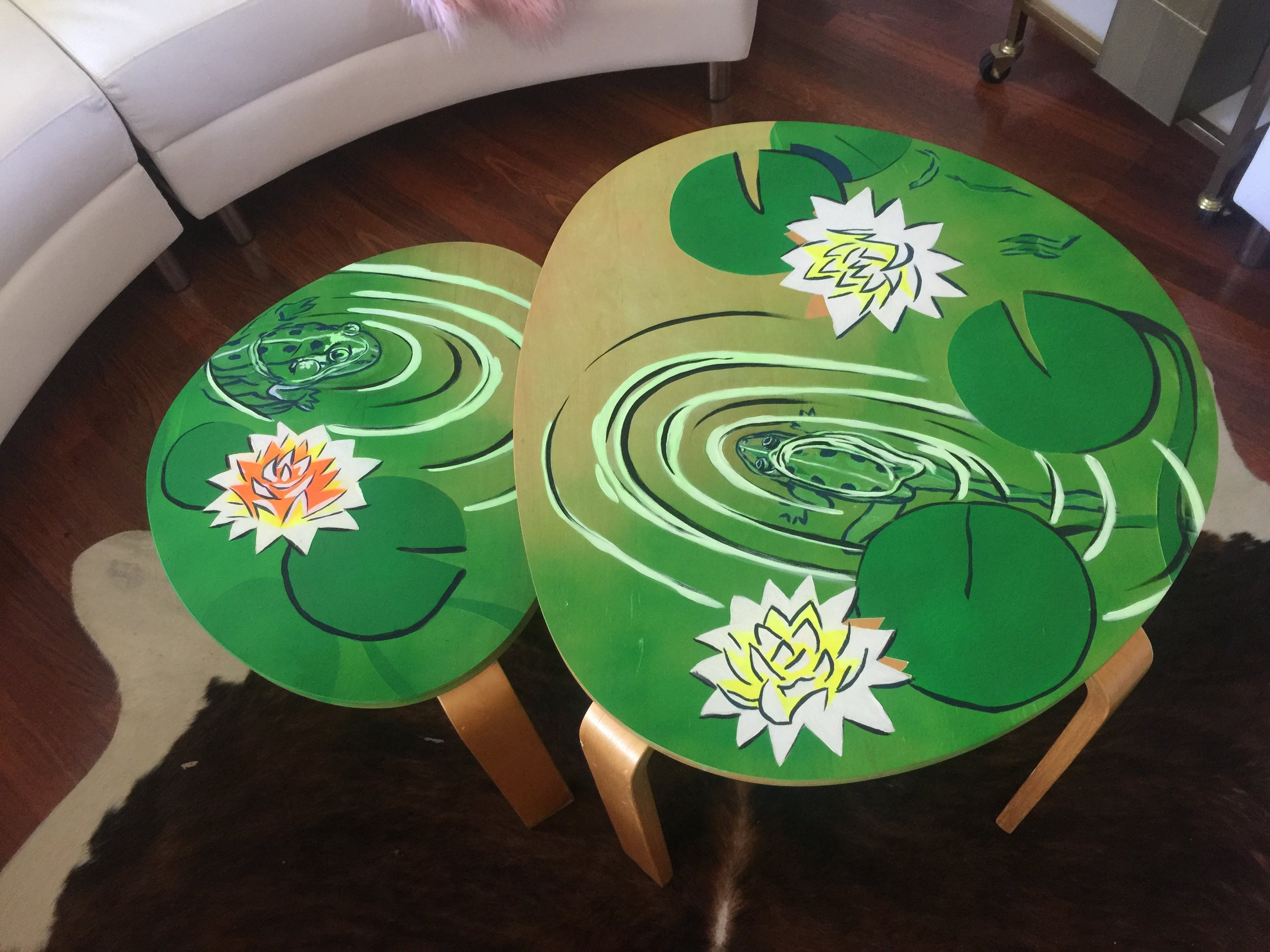 Frog Table
