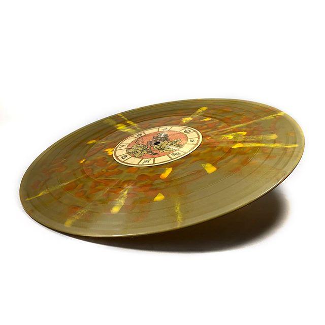 Pressing the new @oldsolarmusic album for @dunkrecords and @athousandarms  It's now availabe for pre-order at athousandarms.com and dunkrecords.com #postrock #pressingvinyl #splatteredvinyl #coloredvinyl