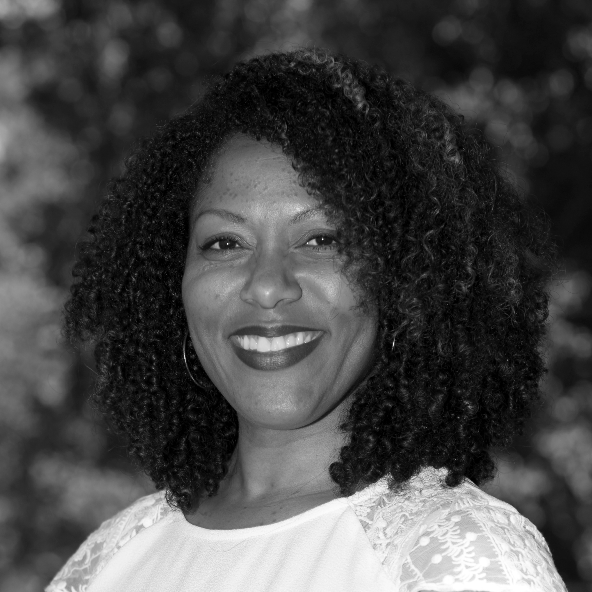 Donja Robinson - Administrative Assistant    drobinson@bayareasmacna.org   Donja joined Bay Area SMACNA in the Summer of 2018. She will lead our Intern Program, coordinate our Women in Construction group and help in various other capacities. Donja loves interacting with others and traveling with her husband. In her free time, she enjoys building dollhouses to-scale and outdoor activities like cycling.