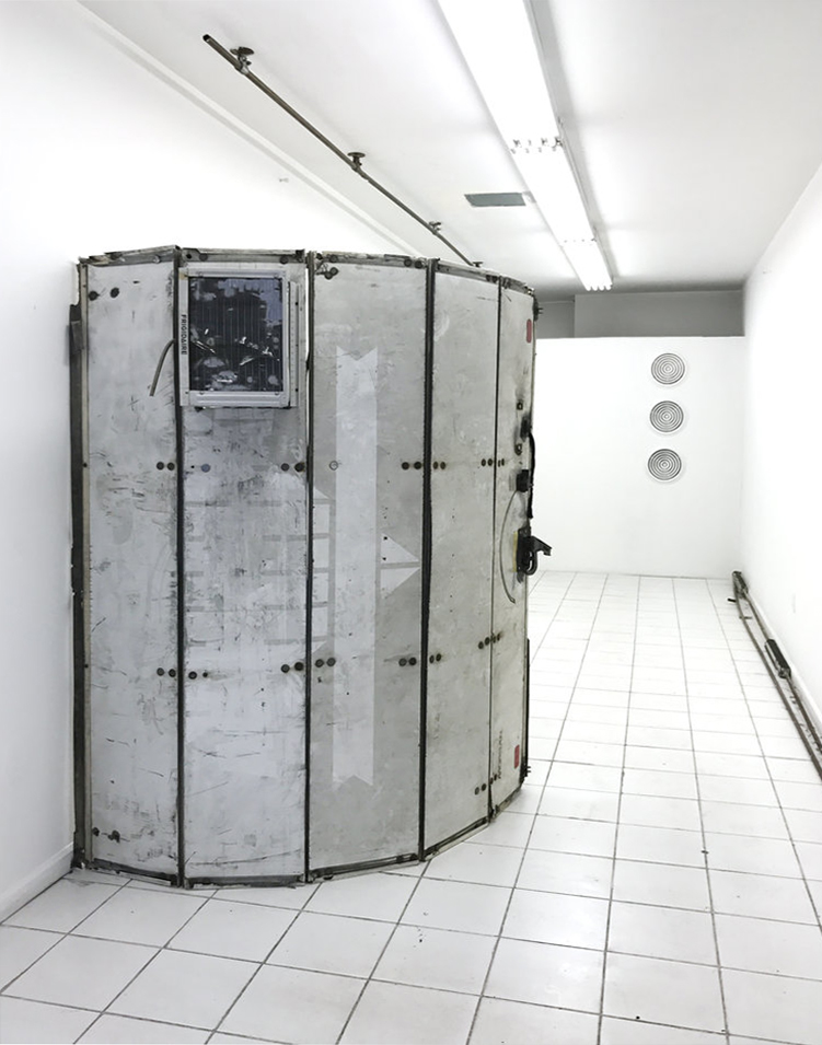 Sean Donovan, Richard Vivenzio  1-800  installation view