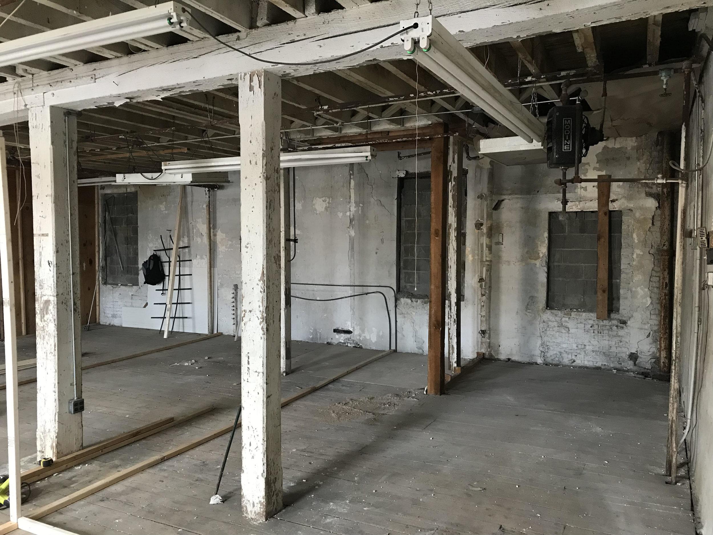 120 Waterbury Street, Brooklyn east wall (posted 27 March 2018, pre-renovation)