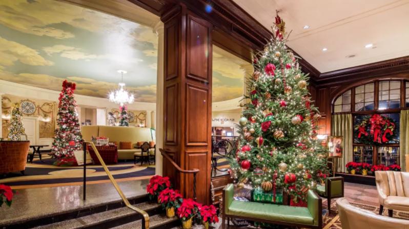 christmas at hotel roanoke - roanoke va.png