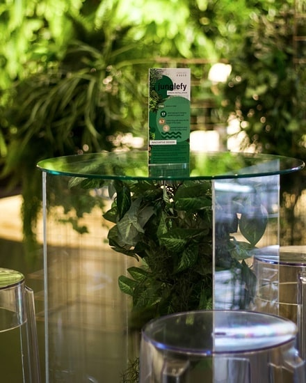 We love designing styles that reflect the space they will be a part of! So we created custom suspended greenery chandeliers inside our clear acrylic cocktail tables to reflect the lush greenery walls around them🍃🌿🍀 . . . . . . @creative.kiwa . . . . #eventdesign #greenerydecor #brisbaneeventhire #cocktailstyle #brisbaneeventstyling #brisbaneevents #eventdecor #styleinspo #corporateevent #corporateeventstyling #eventstylist
