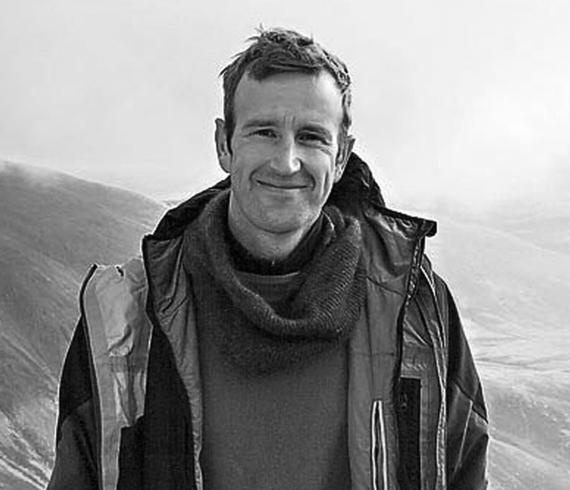 Robert Macfarlane.jpg