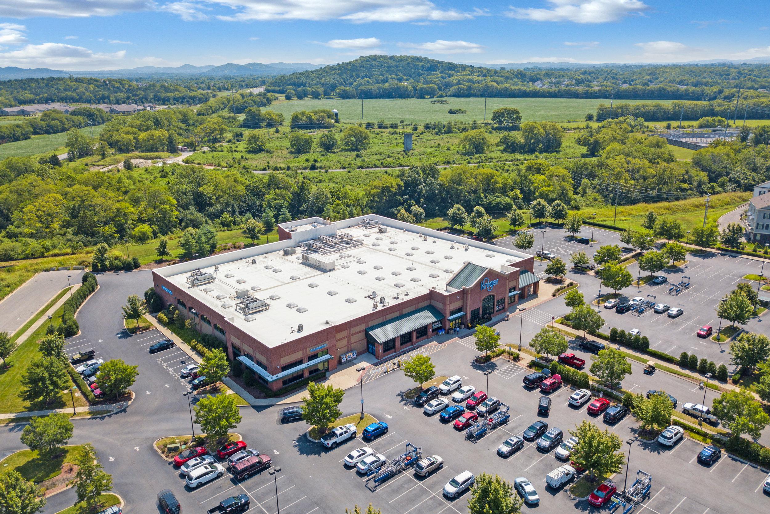 Single-tenant • Malls • Strip Centers