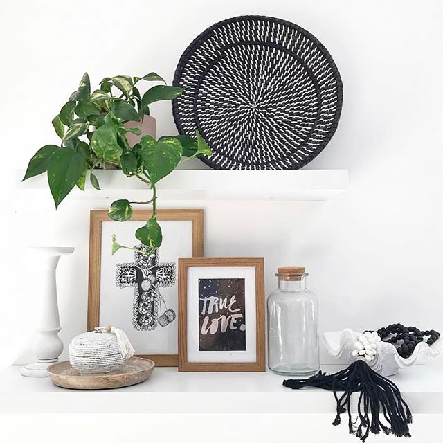 W E  A R E  B A C K  for 2019  And with it bringing you some new green babies and indoor plant accessories over the next few weeks, for delivery all over Melbourne Metro. Loving this space by @scandilane_  And all the photos you lovely customers tag us in. Keep them coming ❤️ 🌿🌵🌱🌿🌵🌱🌵🌱🌿 . . . . . . . . . #plantlover #plants #plantstagram #planthoarder #iloveplants #indoorjungle #homedecor #plantlife #pausewithplants #melbournegifts #interiorinspo #melbourneplants #melbourneplantclub  #buddingvineco #plantstyling #instaplants #houseplants #plantgang #botanical #indoorgreen #homestyle #interiorstyling #greenyourfeed