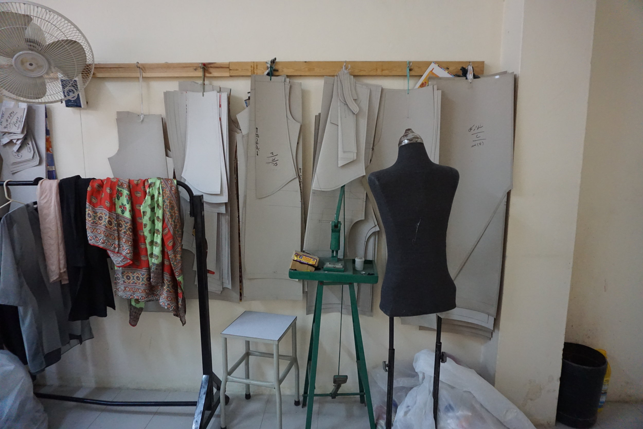 sukise_sukisestyle_pakistani_workshop_ethicalfashion_ethicallabor_sukiseteam_karachi_pakistan.JPG