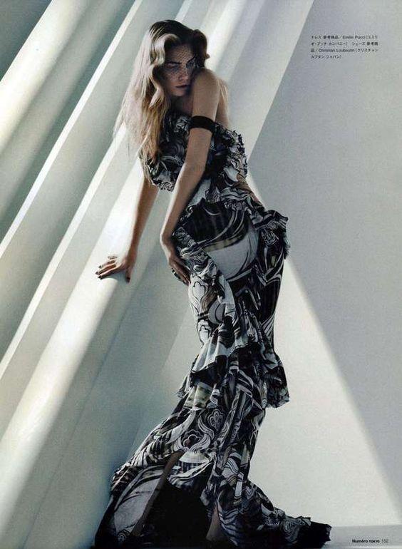 background dress pose.jpg