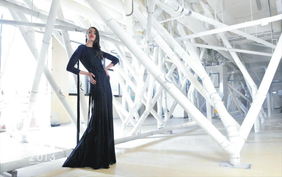 pose portrait dress fashion colour.jpg