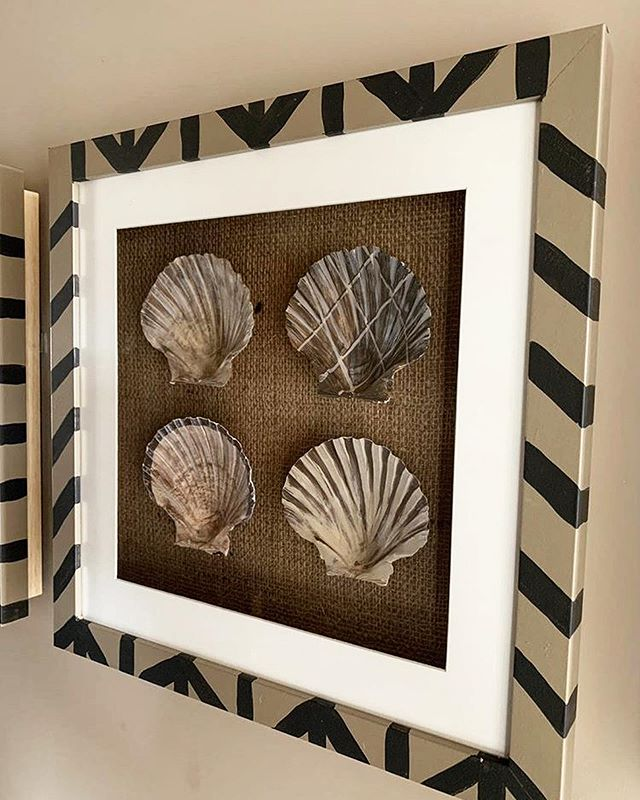 These hand painted clam shells were commissioned by @dynarghdesign for the luxurious @beadnell_towers hotel, which has recently opened. If you have not seen it already have a look at their page, you have to see it to believe it. I would like to thank both @beadnell_towers and @dynarghdesign for this opportunity.