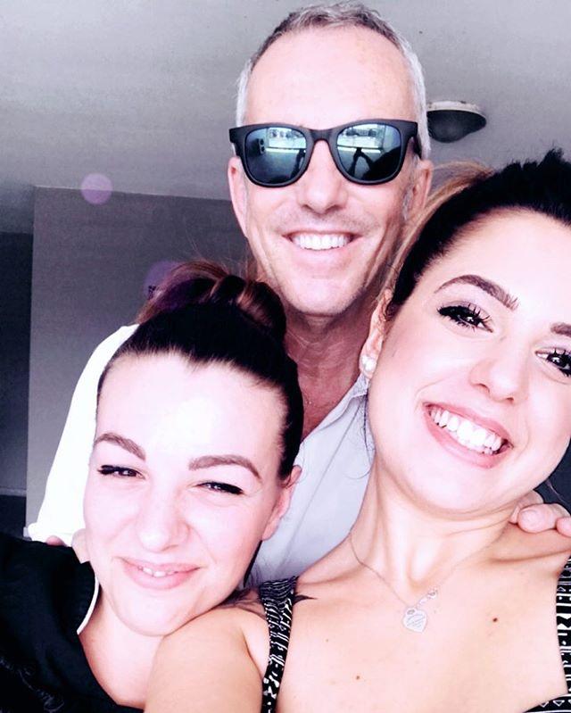 Federico Buffa e le sue #etrebelline preferite ❤️ @verghitass @elisaantignano_  Grazie Federico e buone meritatissime vacanze!!!! https://www.etrebel.it/dicono-di-noi