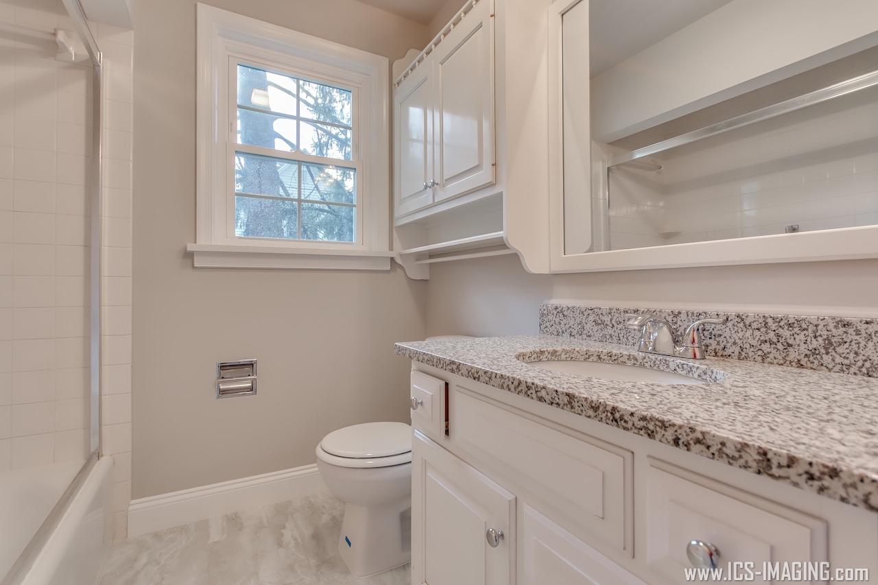 Full Bathroom 1.1.jpg