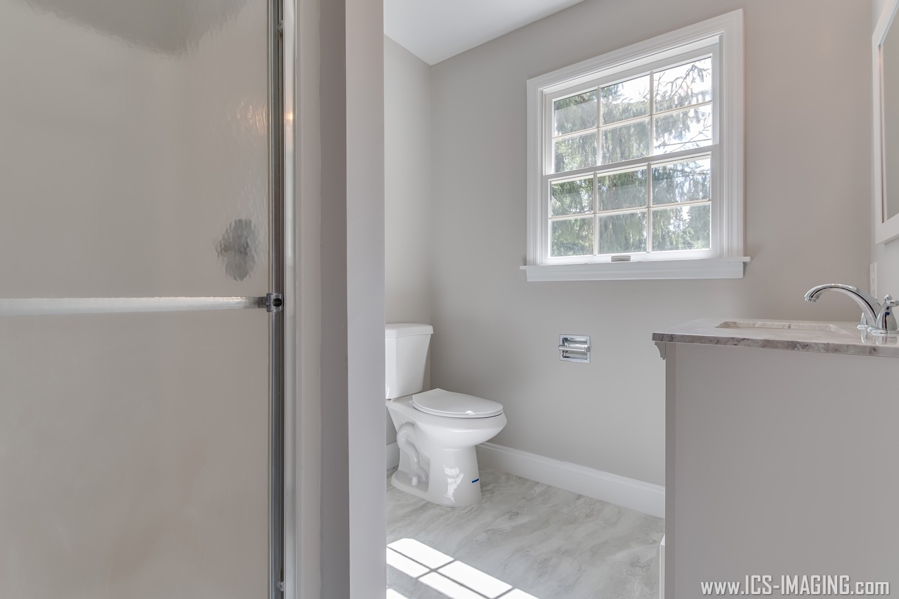 Full Bathroom 2.1.jpg