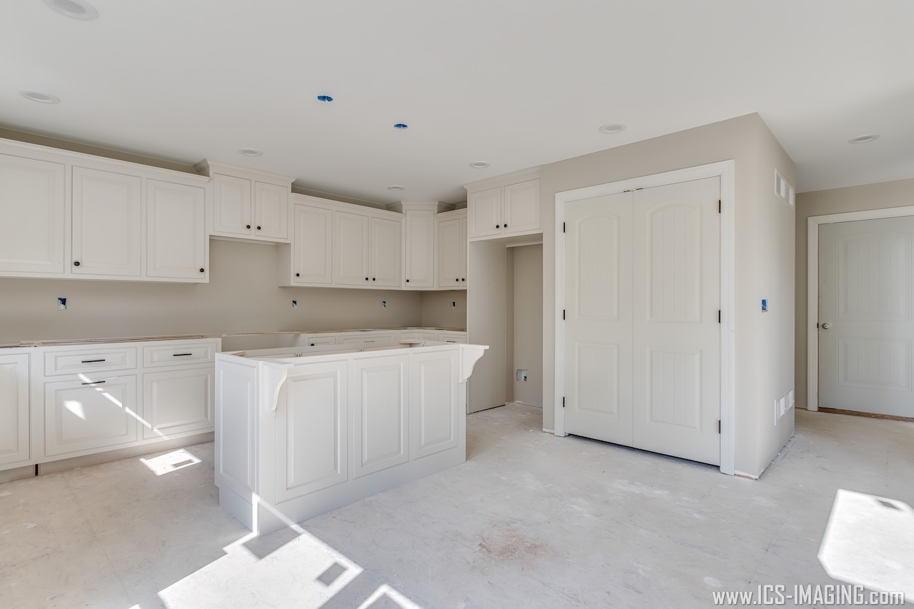 16 - kitchen 1 with pantry.jpg