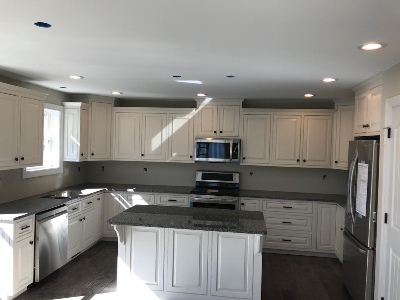 16 - kitchen 2.jpg