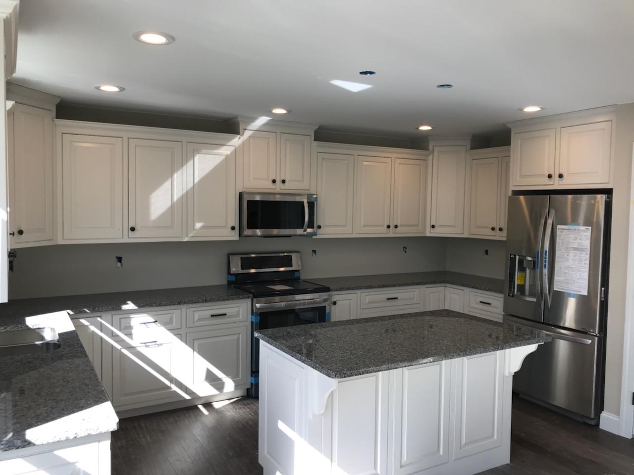 17 - kitchen 3.jpg