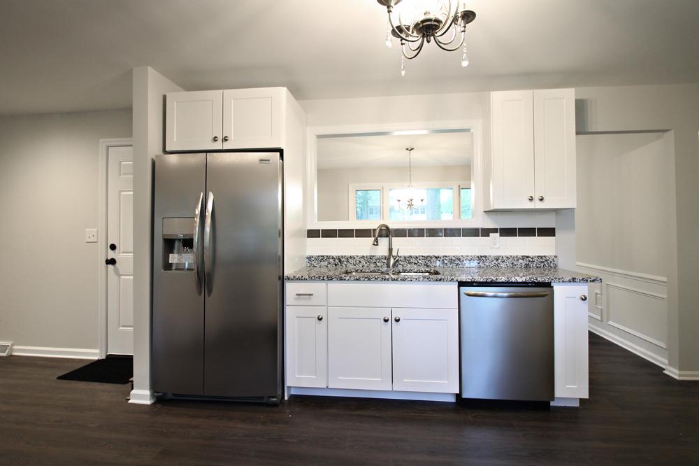 10 - OakSt-Kitchen4.jpg