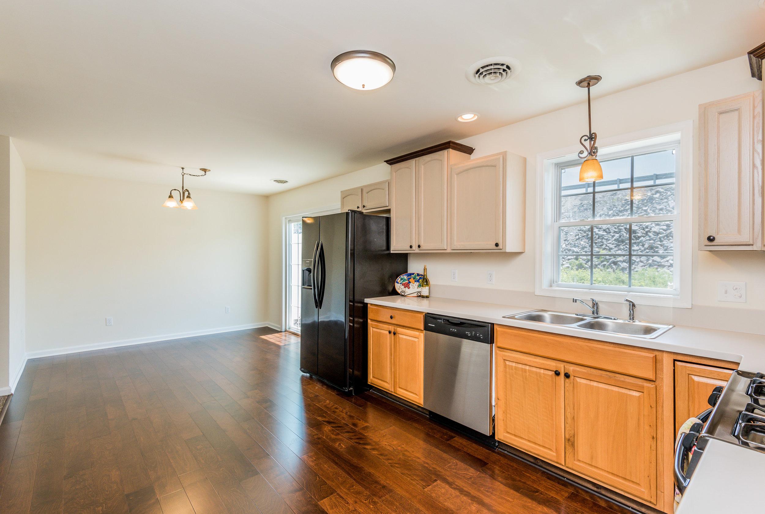 kitchen (1 of 1)-2.jpg