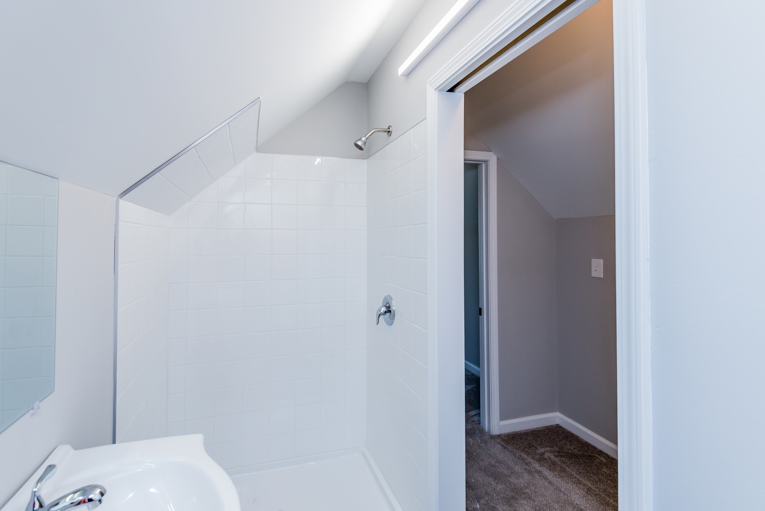 attic_bathroom_1_of_1_-2 - Copy.jpg