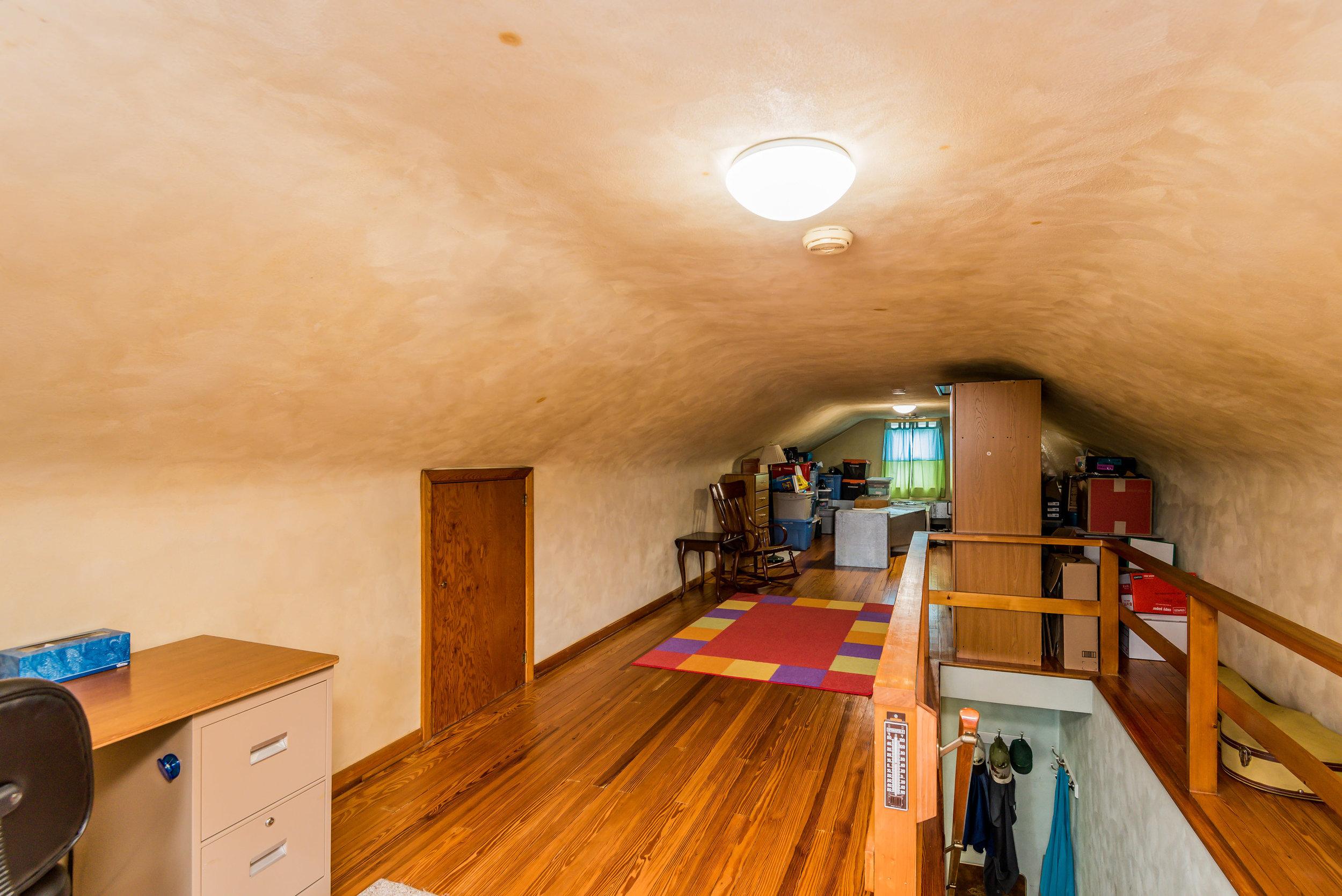 attic_1_of_1_.jpg
