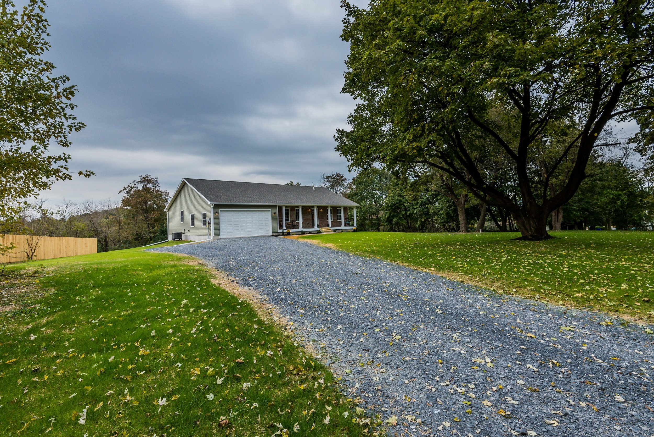front_driveway_1_of_1_ - Copy.jpg