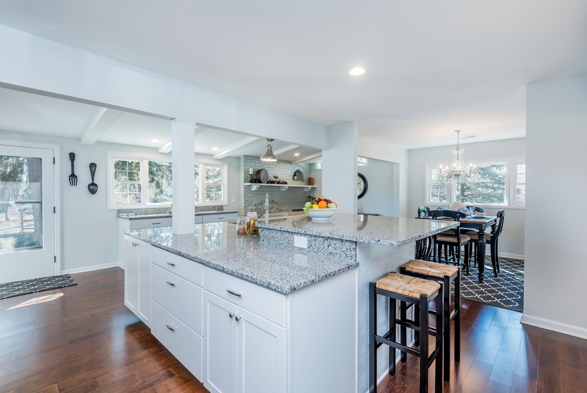 kitchen_island_1_of_1_.jpg