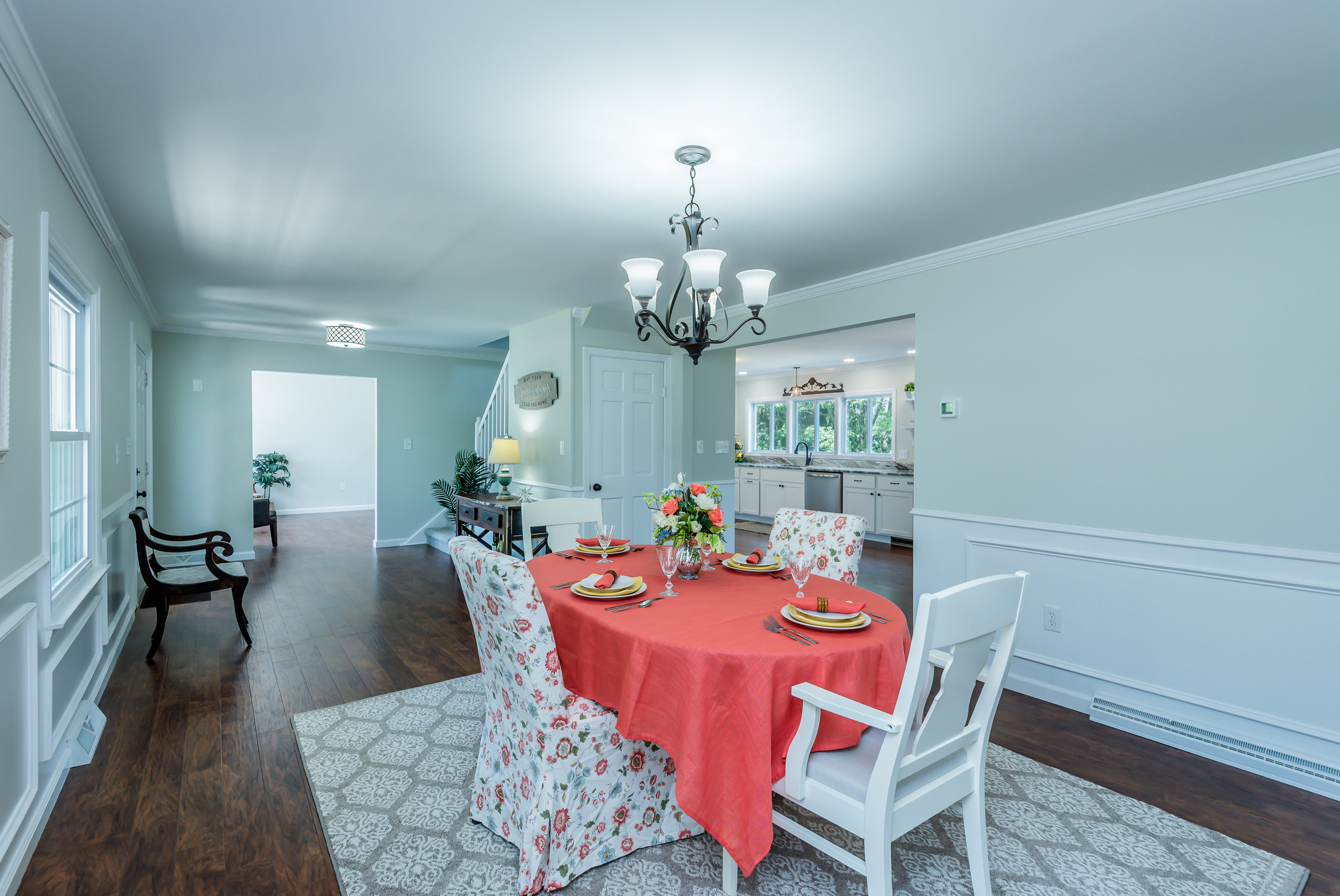 dining_room_view_1_of_1_.jpg