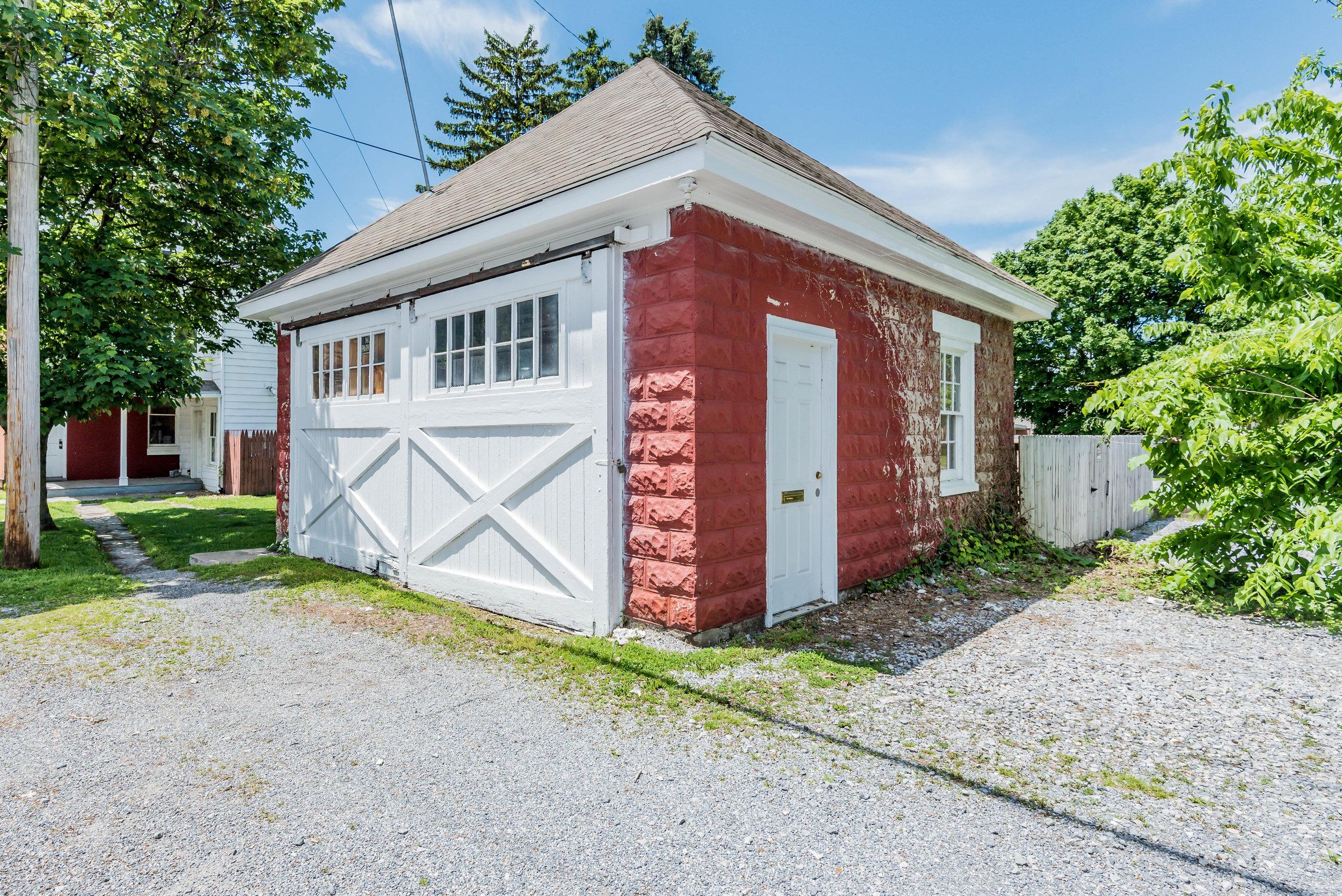 garage side (1 of 1)-2.jpg