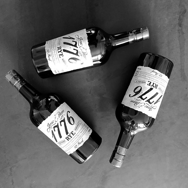 Time to unveil our October selection: a delightfully spicy rye whiskey from @jamesepepper in Kentucky. Hope all our subscribers love this as much as we do! #sippingliquor #jamesepepper1776 #jamesepepper #ryewhiskey #rye #whiskey #whisky #americanwhiskey #tradewar #unboxing #surprise #drinkstagram #blackandwhitephotography #blackandwhite #bottles #whiskeybottle #londonfoodie #londoncocktailweek