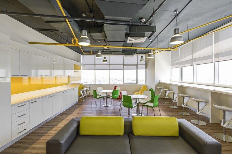 office-730680_1280 (1).jpg