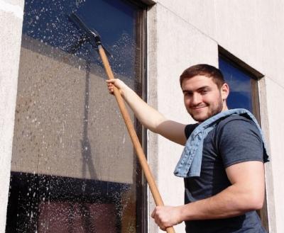 exterior-office-window-cleaning-landing-team-1.jpg