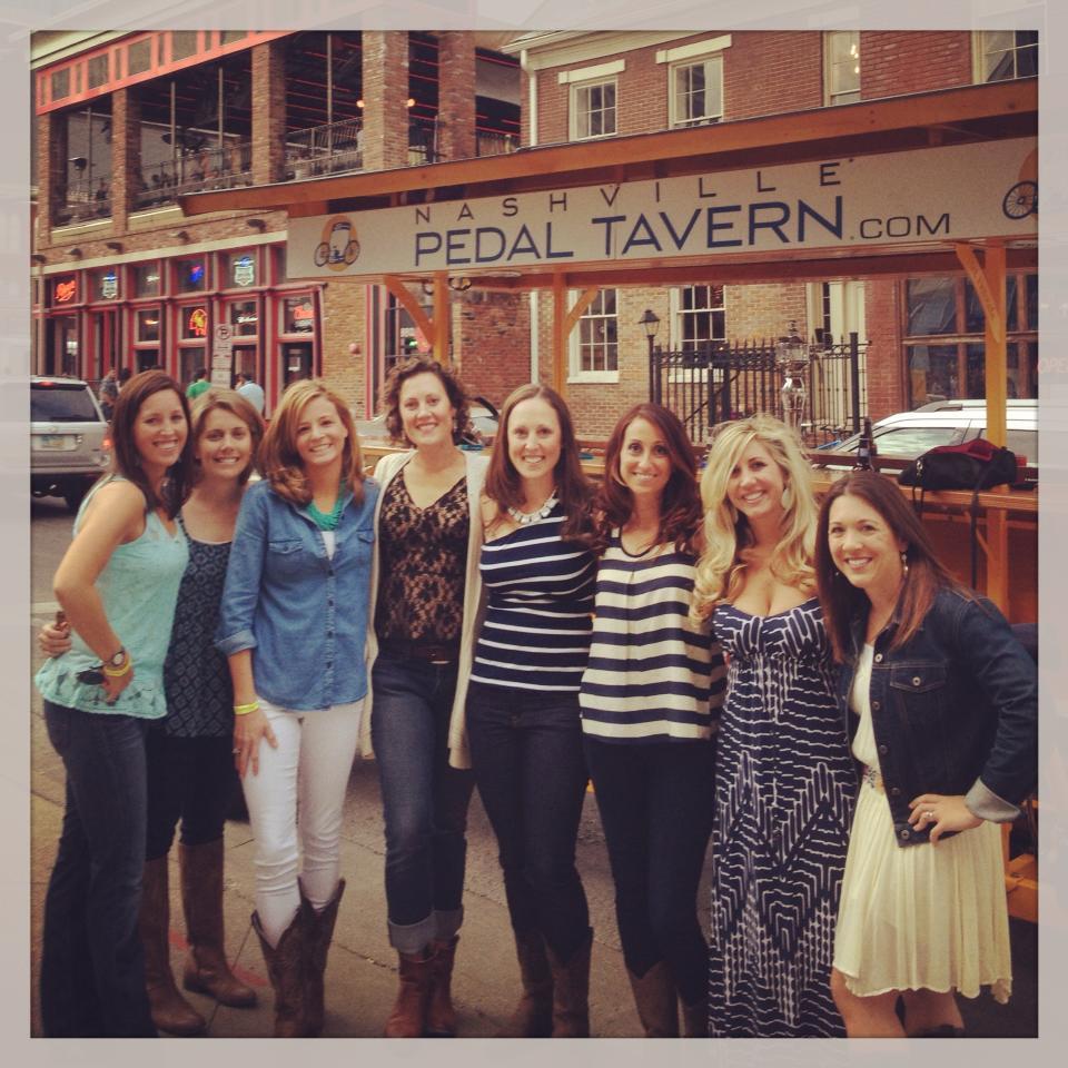 nashville-pedal-tavern-girls.jpg