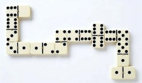 MATEMÁTICA NO DOMINÓ CONTANTO PONTOS - Nesta versão do clássico jogo, as pontas devem somar múltiplos de 5 para ganhar pontos!