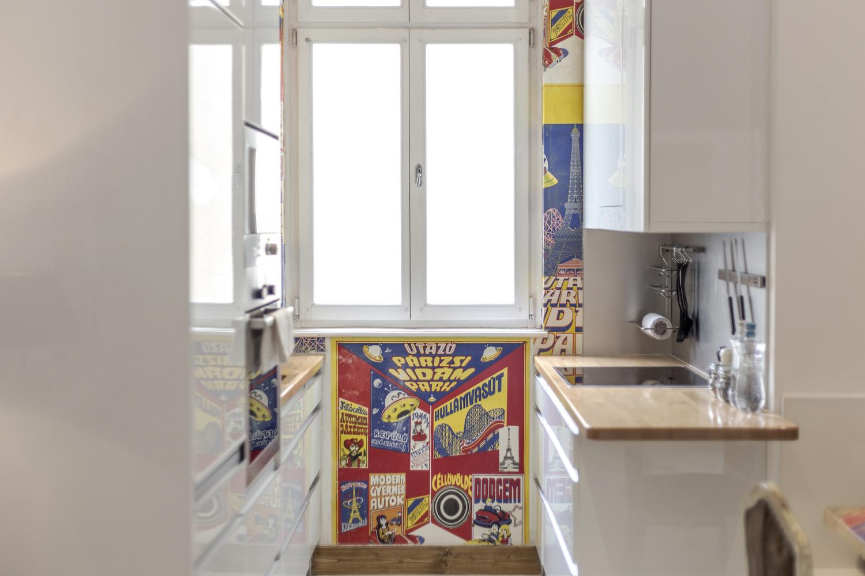 apt17-kitchen1.JPG