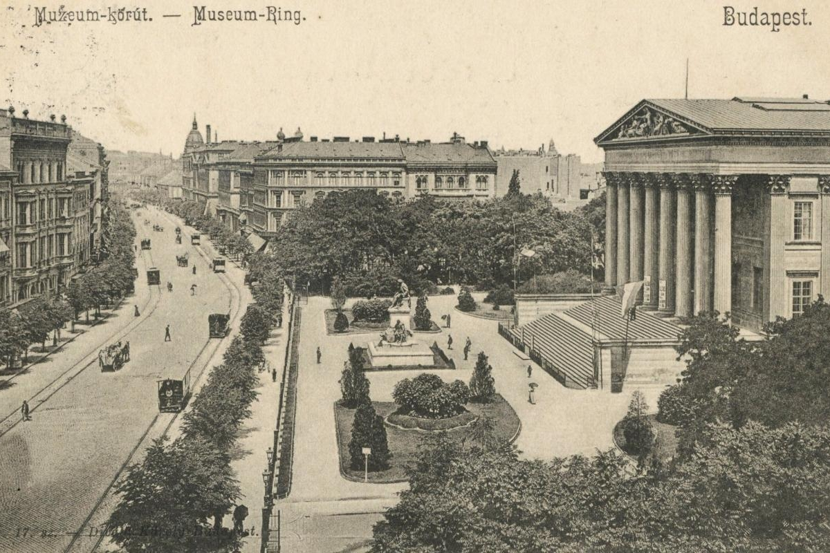 budapest-nemzeti-muzeum-1901-ben.jpg