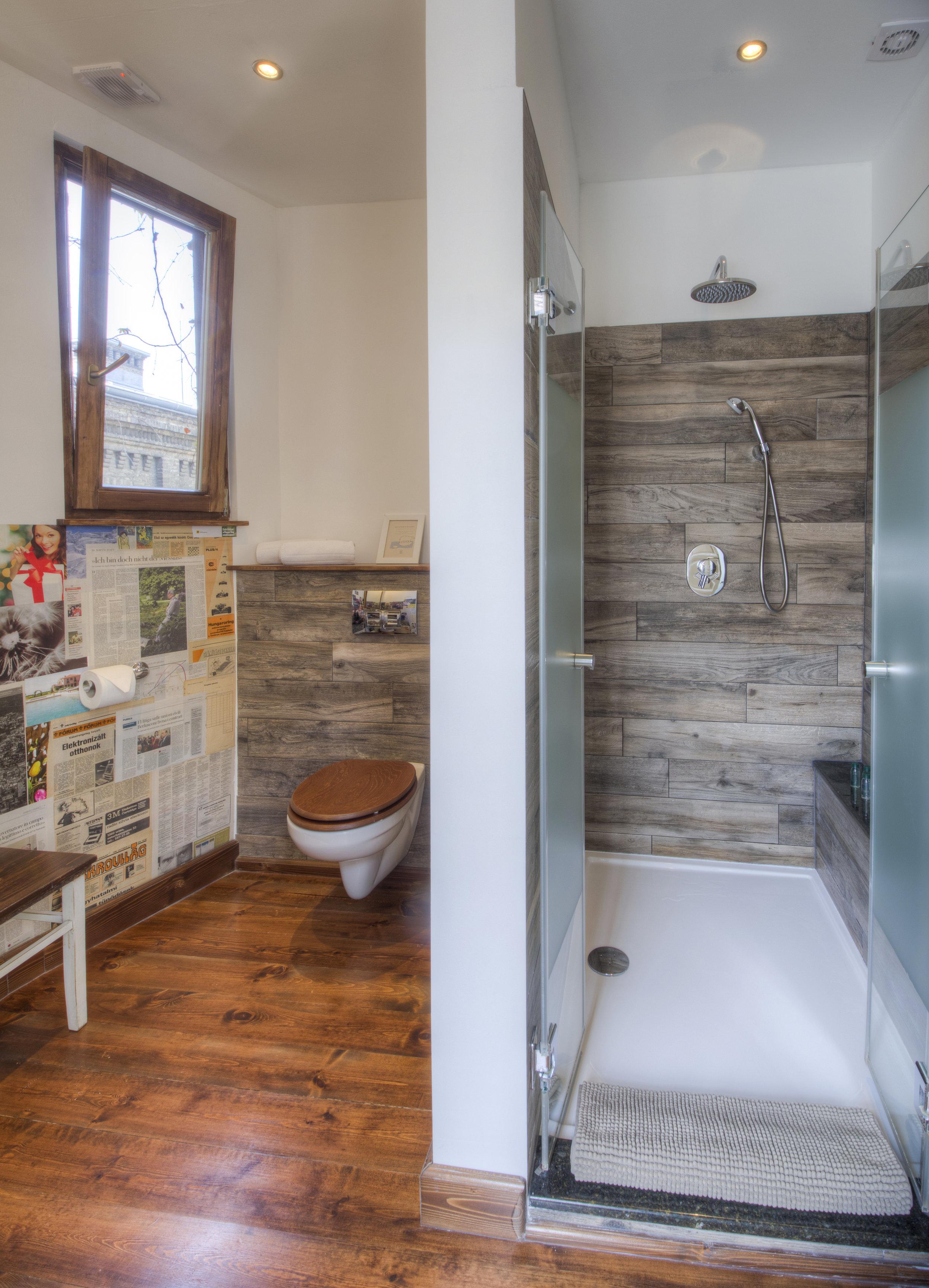 Judit_bathroom.jpg