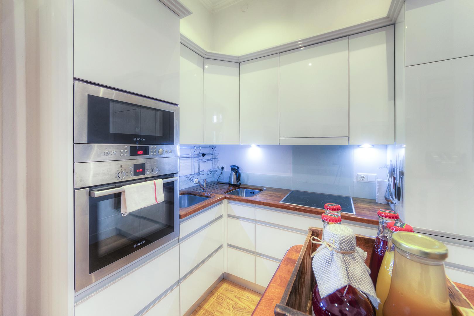 Apt16_kitchen2.jpg