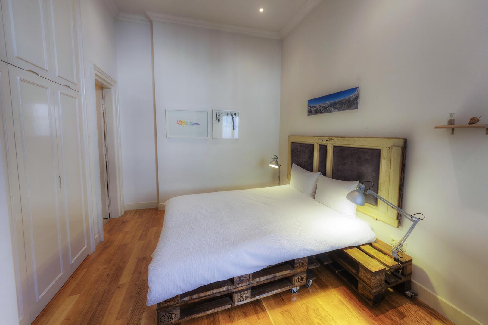 Apt16_bedroom5.jpg