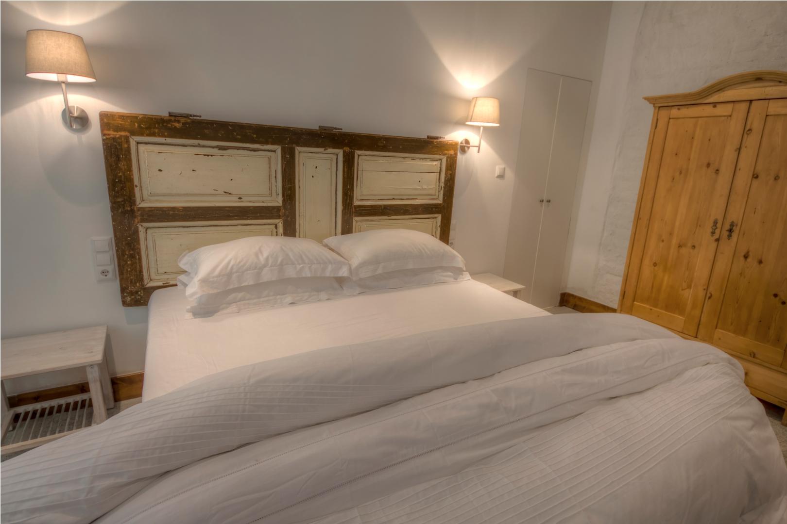 Apt23_bedroom1.jpg