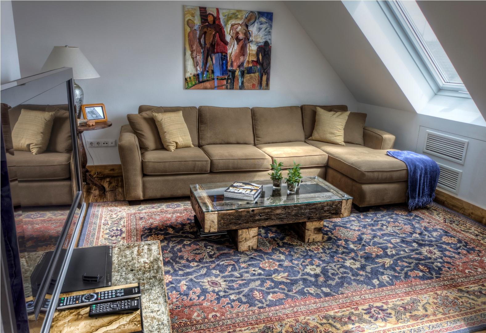 Brody Apartments_1 (6).jpg