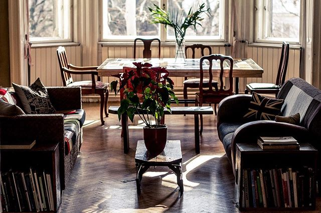 The first rays of sun welcome guests at the clubroom, also available for Brodyites' daytime meetings and co-working. . . . #brodyland #brodyhouse #budapest #boutiquehotel #budapesthotel #artsyhotel #inspiration #mood #brodylove #upcycle #upcycledfurniture #interior #art #interiordesign #hotel #clubroom #membersclub #privateclub #privatemembersclub #mrandmrssmith #mrandmrssmithhotels #budapesthungary #budapestagram #moodstagram #eventvenue #vintage #budapesttravel #bestboutiquehotel #wanderlust #weekendgetaway